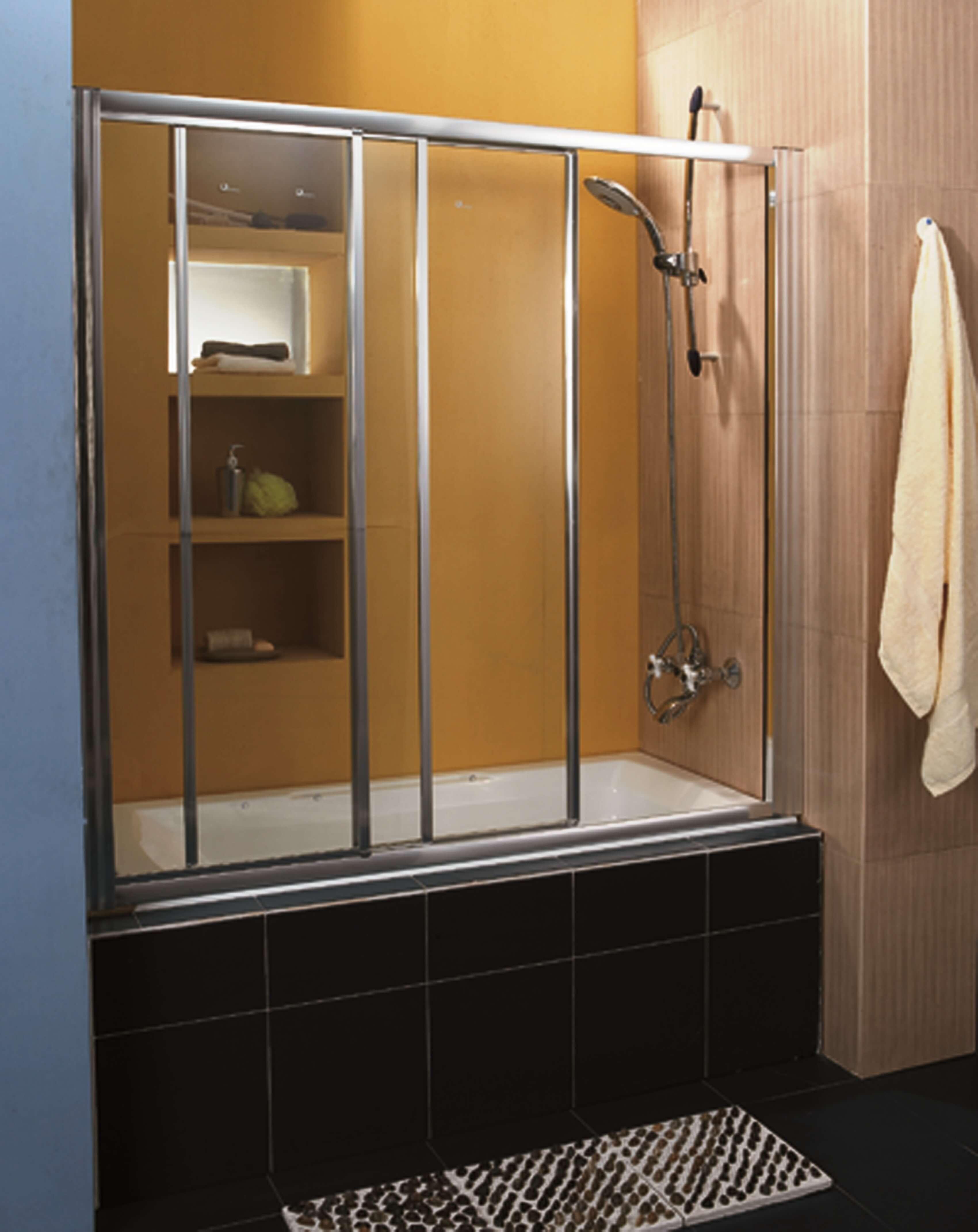 מקלחונים מעוגלים ופינתיים