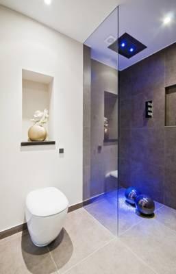 מקלחונים לפי מידה וצבע